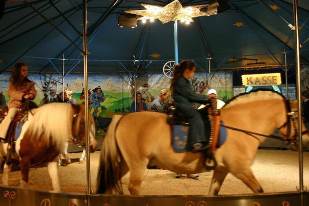 Blasheimer Markt – Tierschutzverein rät vom Ponyreiten ab